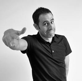 David Gil Pelluch CEO y co-fundador en Tres Tristes Tigres blanco y negro