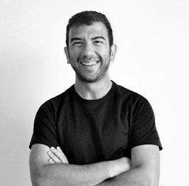 Chema Ruíz Sojo programador web en Tres Tristes Tigres blanco y negro