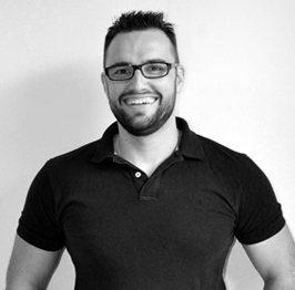 Diego Martínez FullStack Dev en Tres Tristes Tigres blanco y negro