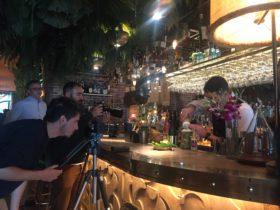 Restaurante amazónico interior cócteles